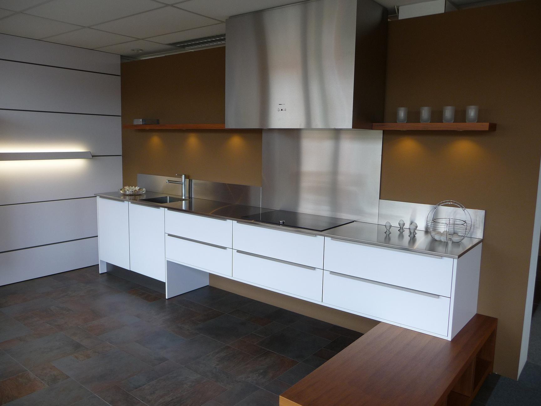 Keukenprijs altijd de beste keukenprijs eggersmann vrijhangende keuken 22245 - De beste hedendaagse keukens ...
