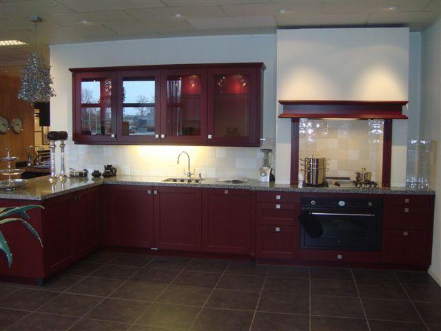 Keukenprijs altijd de beste keukenprijs rode keuken 7 47072 - Keuken met rode baksteen ...