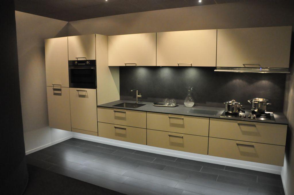 Keukenprijs altijd de beste keukenprijs rempp rechte keuken met achterwandplaat 33564 - De beste hedendaagse keukens ...