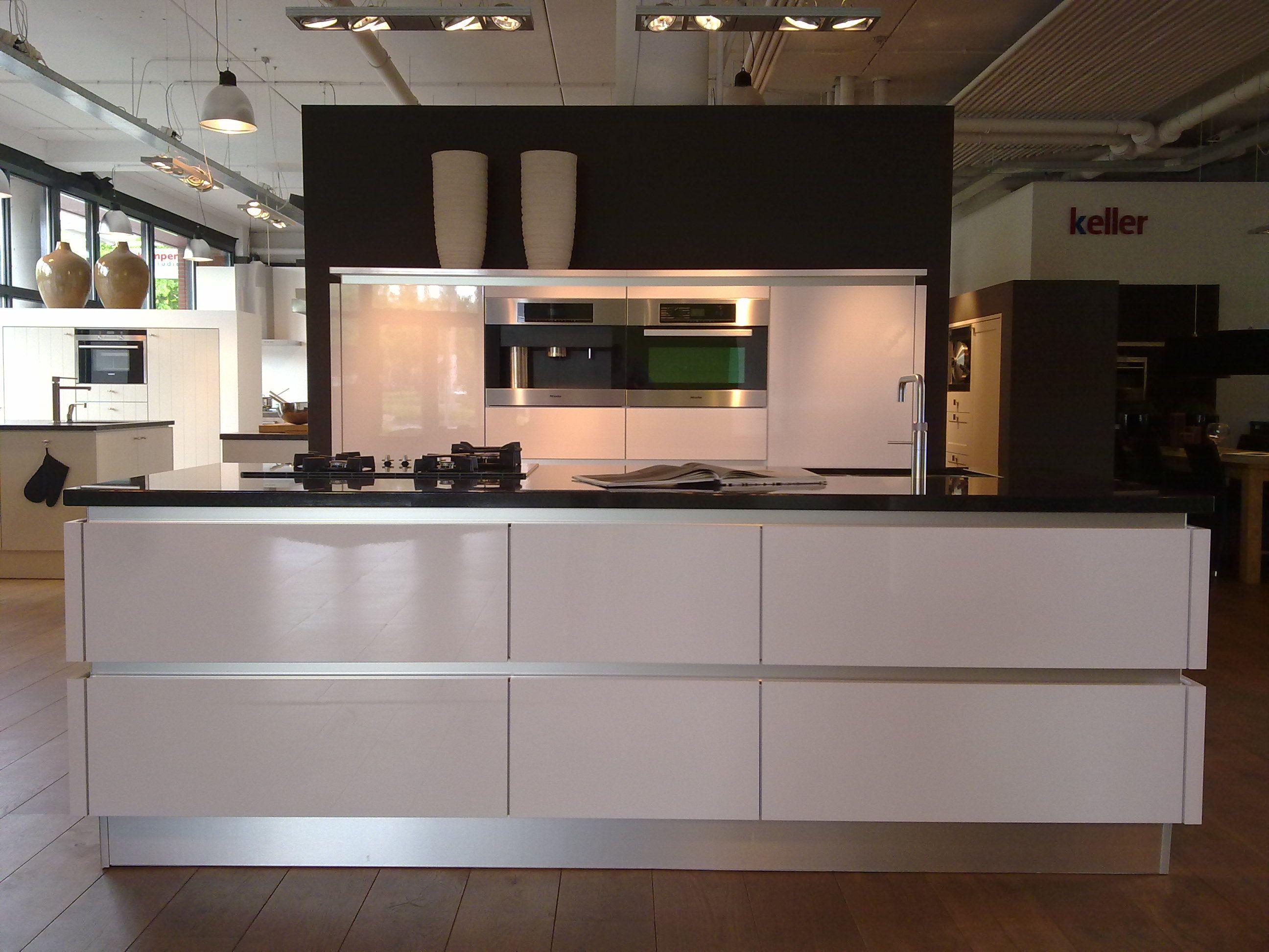 Keuken keller keukens lade galerij foto 39 s van binnenlandse en moderne binnenhuisarchitectuur - Fotos van keuken amenagee ...