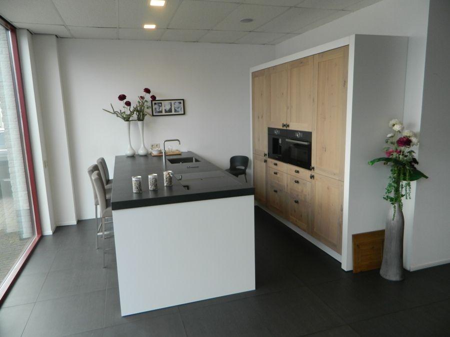 Keuken Kastenwand Hout : Altijd de beste keukenprijs! Stoere Massief Houten Keuken [55883