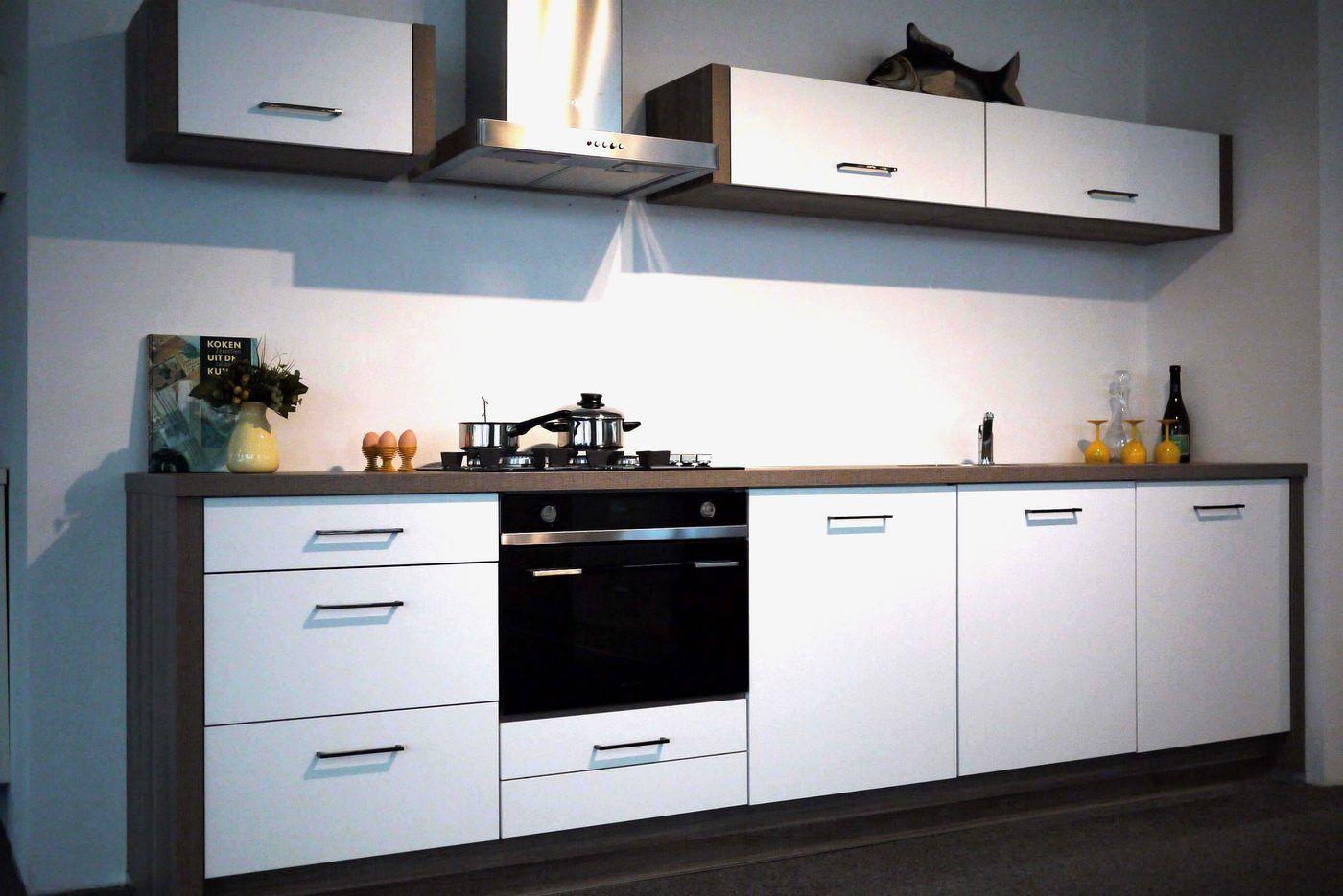 ... Altijd de beste keukenprijs!  Rechte keuken wit mat lak X07 [55608
