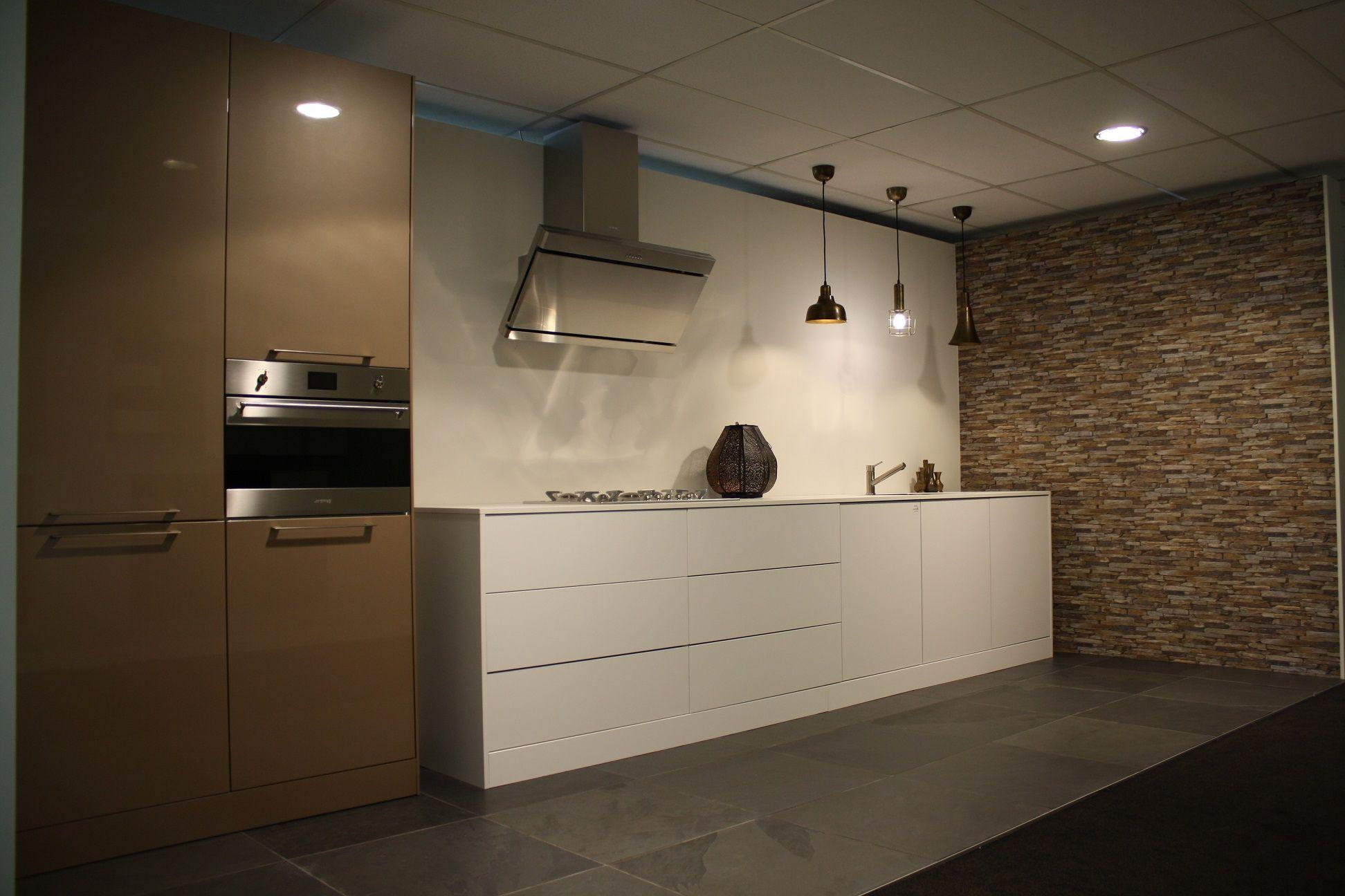 Keukenprijs altijd de beste keukenprijs greeploze witte keuken 48196 - Deco witte keuken ...