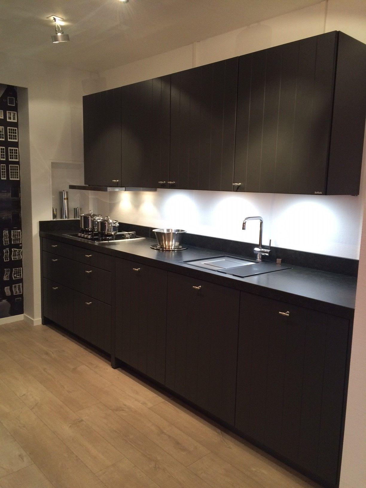 Siematic Keuken Renoveren : SieMatic Studio per direct beschikbaar luxe SieMatic keuken Piet Boon