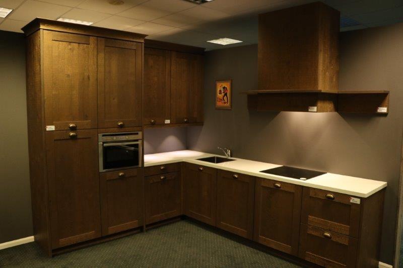 Keuken Donker Eiken : Altijd de beste keukenprijs! Moderne donker eiken keuken [58022