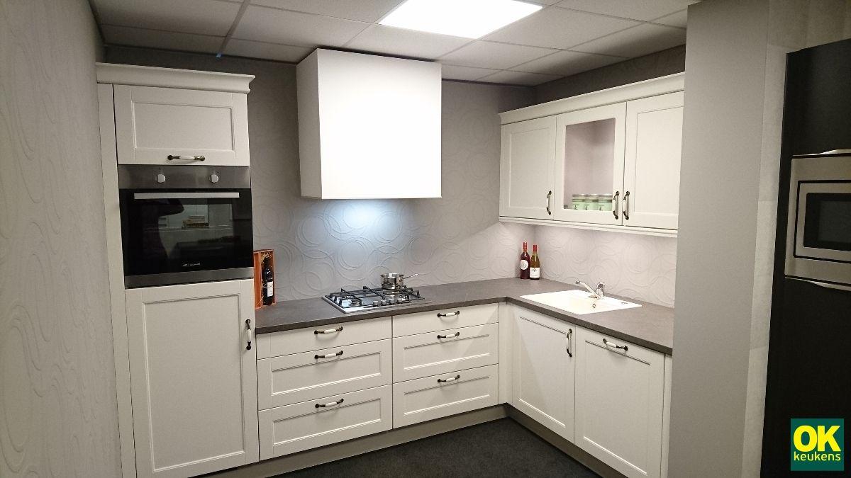 Keukenprijs altijd de beste keukenprijs klassieke lichte keuken 54109 - Geloof lichte keuken ...